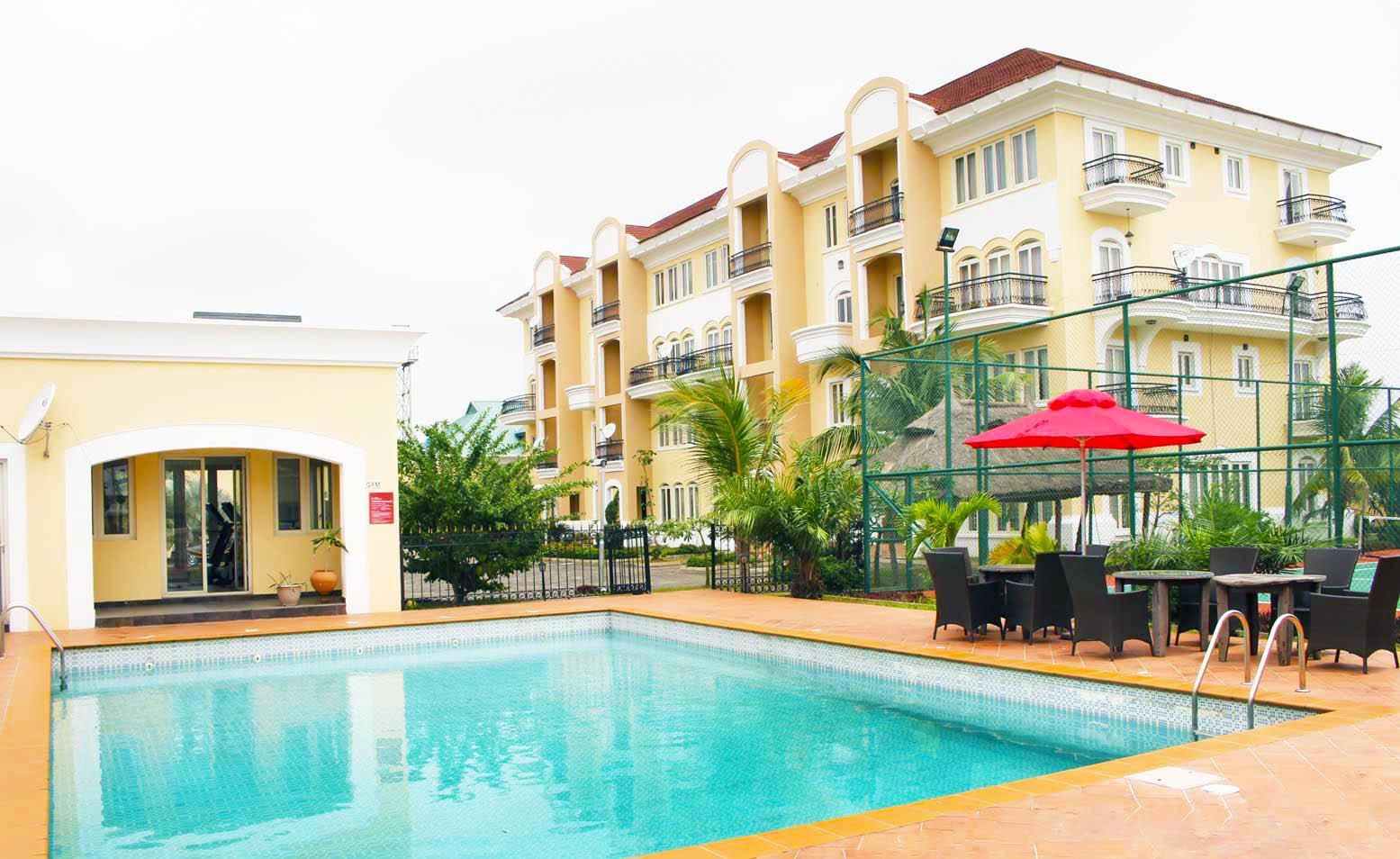 apartment-swimming